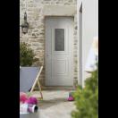 Porte d'entrée PVC blanche vitrée avec moulures