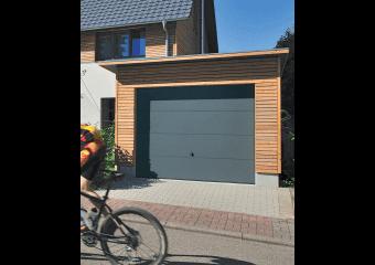 Porte de garage basculante simple paroi