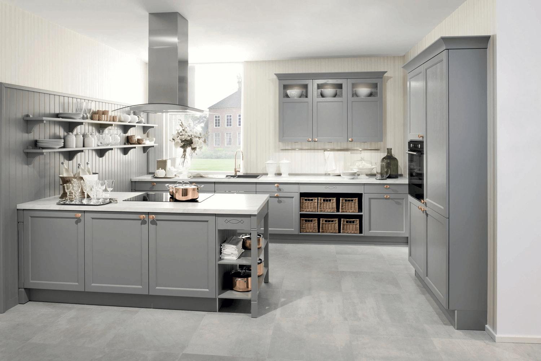Cuisine classique style cottage frêne laqué gris perle