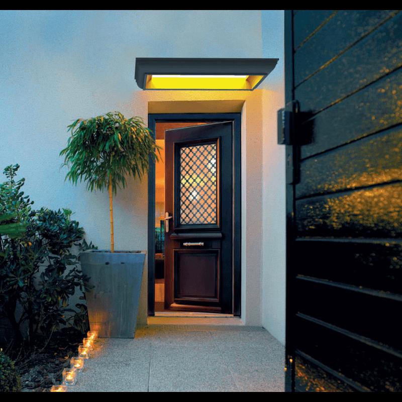marquise clairante au style classique pour porte d 39 entr e. Black Bedroom Furniture Sets. Home Design Ideas