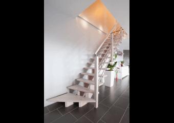 Escalier droit en hêtre et inox