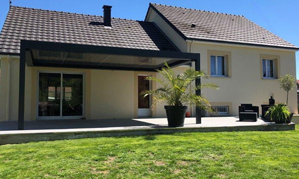 Réalisation pergola bioclimatique à Châlons en Champagne (51)