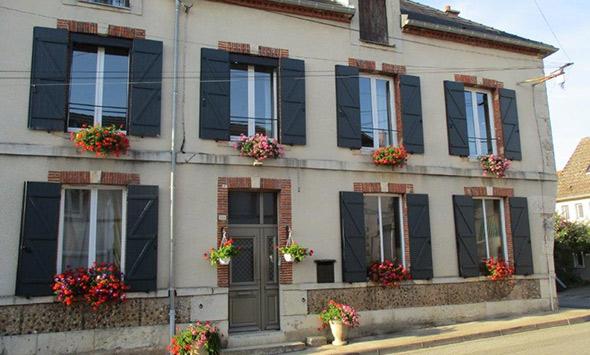 Réalisation porte d'entrée et volets à Châlons en Champagne