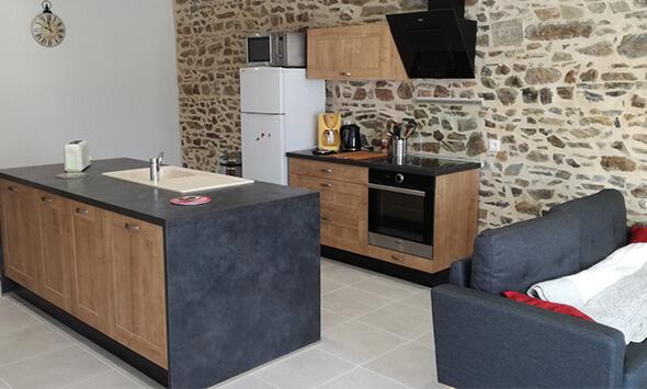 Réalisation cuisine moderne avec îlot central à Coutances (50)