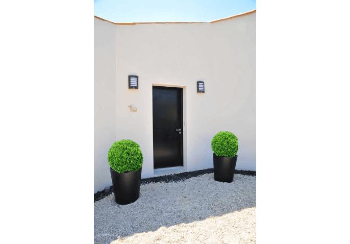 Porte d'entrée aluminium contemporaine à Saint Vivien La Rochelle