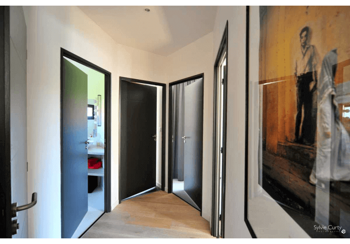Portes intérieures anthracite design moderne à Saint Vivien La Rochelle