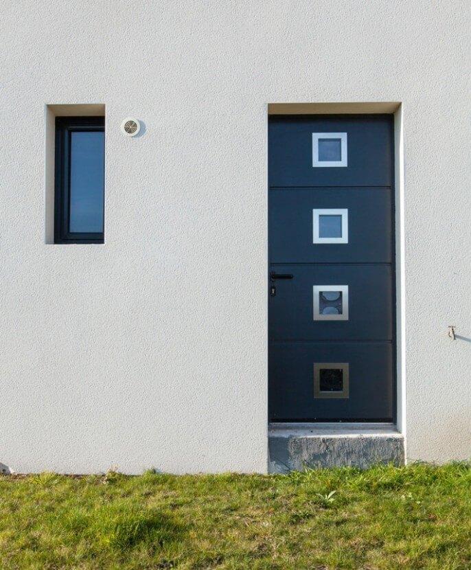 Porte de service aluminium avec inserts inox à La Baule