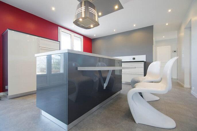 Îlot central et mobilier design pour cuisine à Auch